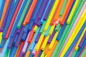 Many colored straws thrown on top of each other