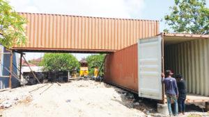 container bali pierre porte